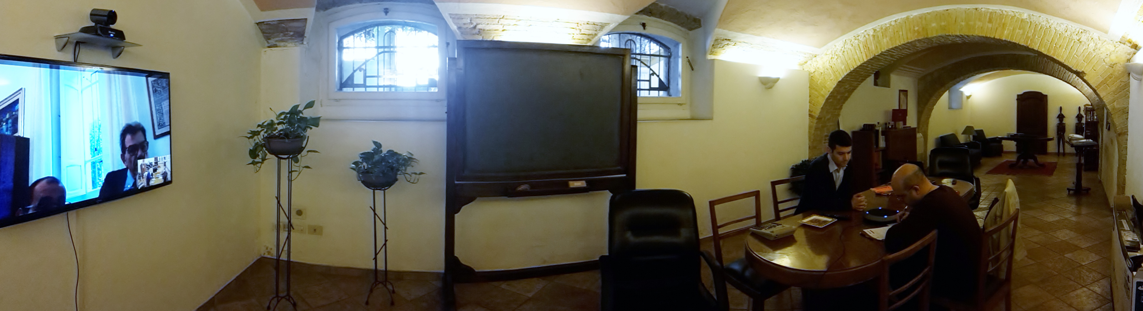 videoconferenza da sala per riunioni con associati - Fondazione Lions